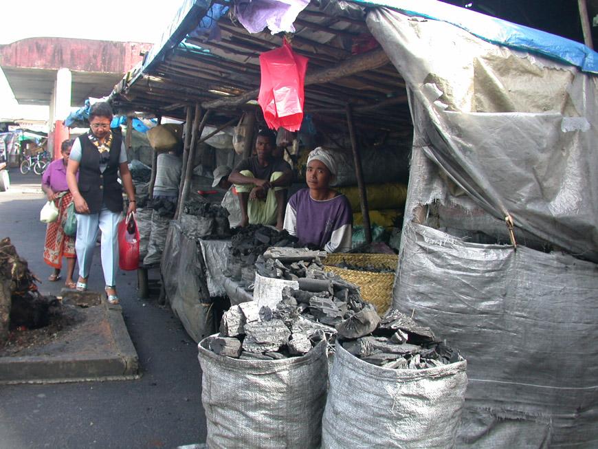 Au marché de Tamatave