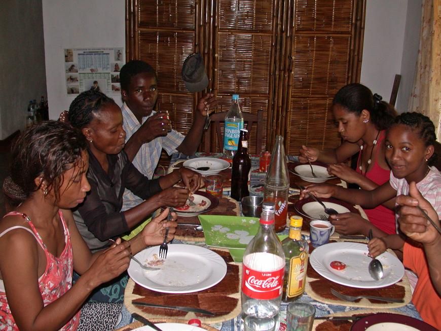 La famille de Sahamalany, avec Jeanne et Paul