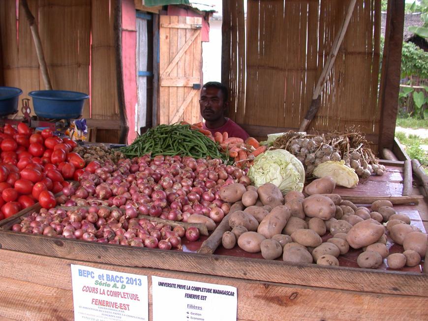 Légumes au marché couvert