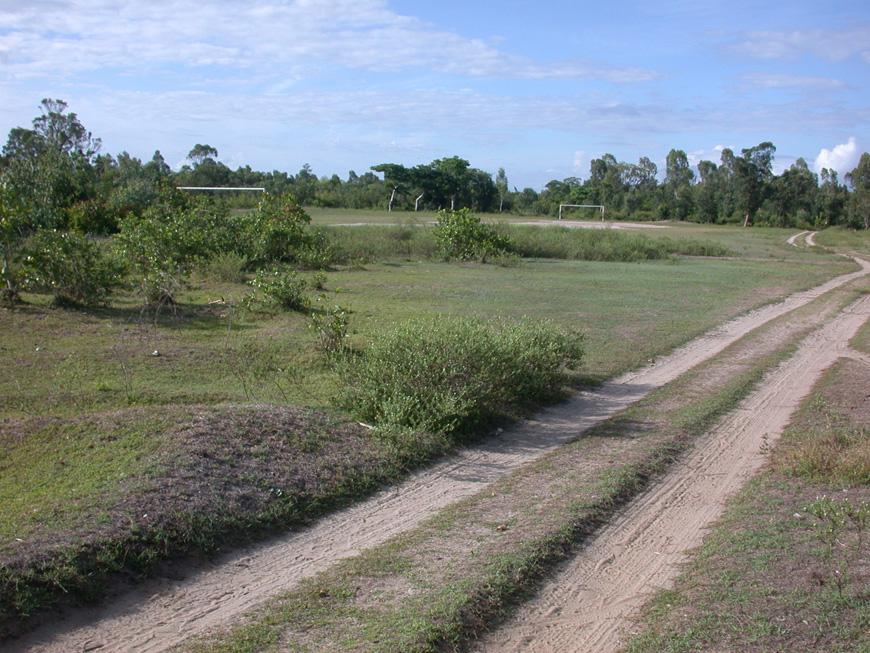 piste et terrain de foot