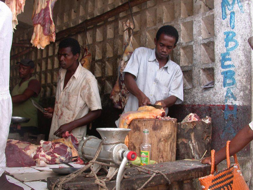 Le boucher au marché