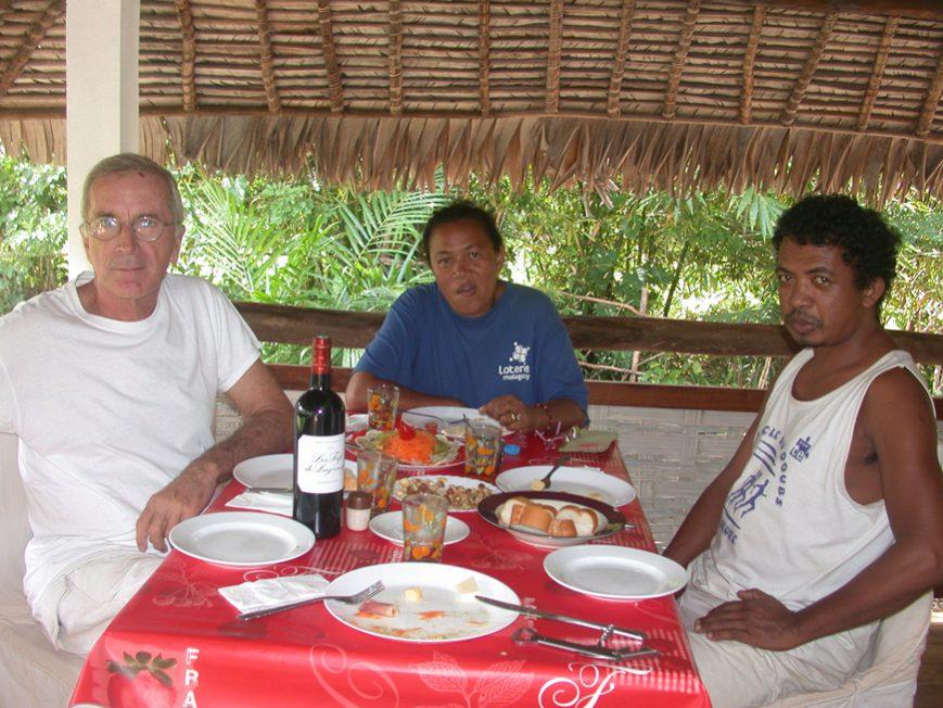 Repas de fête à Olatra