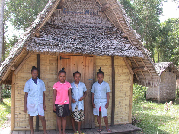 4 soeurs pour une maison