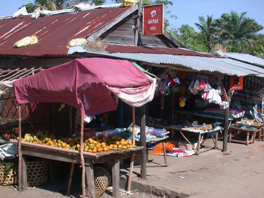 Boutique au centre de Mahambo
