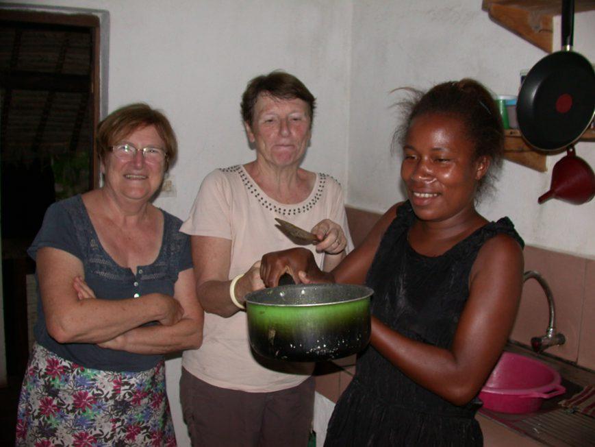 3 femmes en cuisine