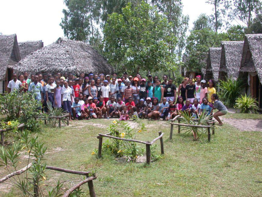 Le groupe des jeunes ensemble