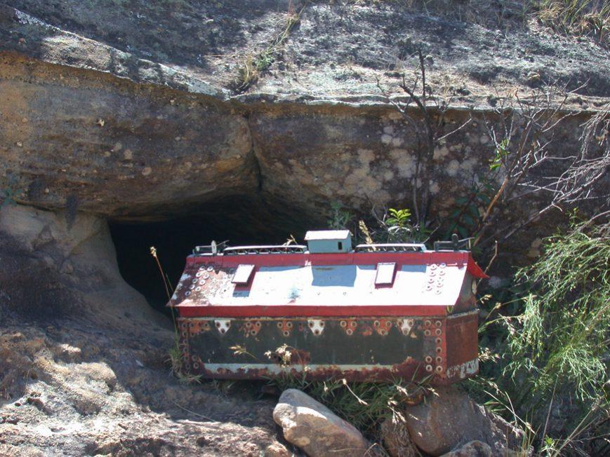 tombeau dans l'Isalo