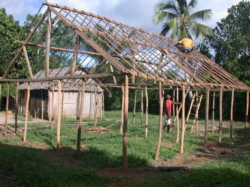 A l'école Reama: reconstruction